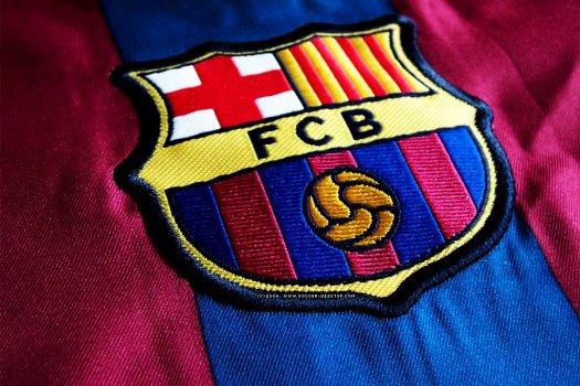 Madridi vetélytársának sztárját igazolná le a Barca