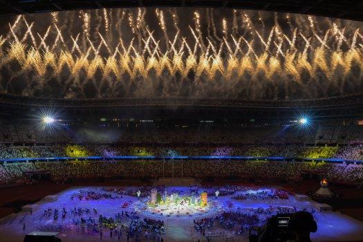 Kialudt az olimpiai láng Tokióban