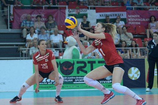A győzelem ellenére sem jutott a négyes döntőbe a női röplabda csapat
