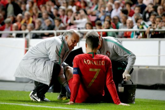 Eb-selejtező: Ronaldo megsérült, angol és francia gálaelőadás