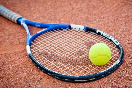 Tenisz: Fucsovics javított, Federer visszaesett a világranglistán