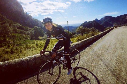 Várandósan nyert olimpiai ezüstérmet egy brit kerékpáros
