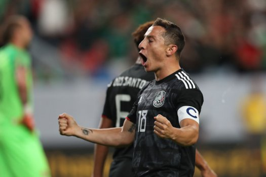 Mexikó újabb győzelmével továbbjutott