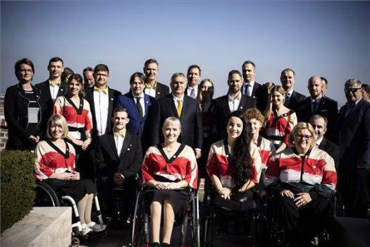 Magas állami kitüntetést kaptak a tokiói olimpián érmes sportolók