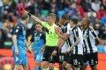 Az Udinese a 63. perctől emberhátrányban játszott,